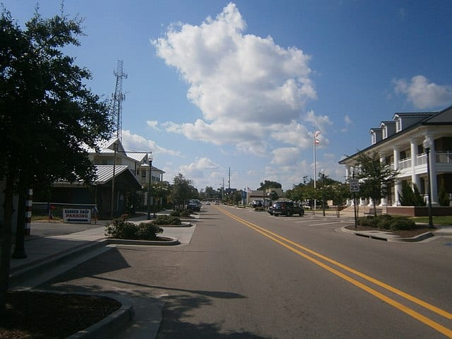 Jeff Davis Avenue in Long Beach Mississippi